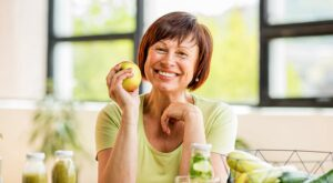 What Should Seniors Be Eating to Stay Healthy?